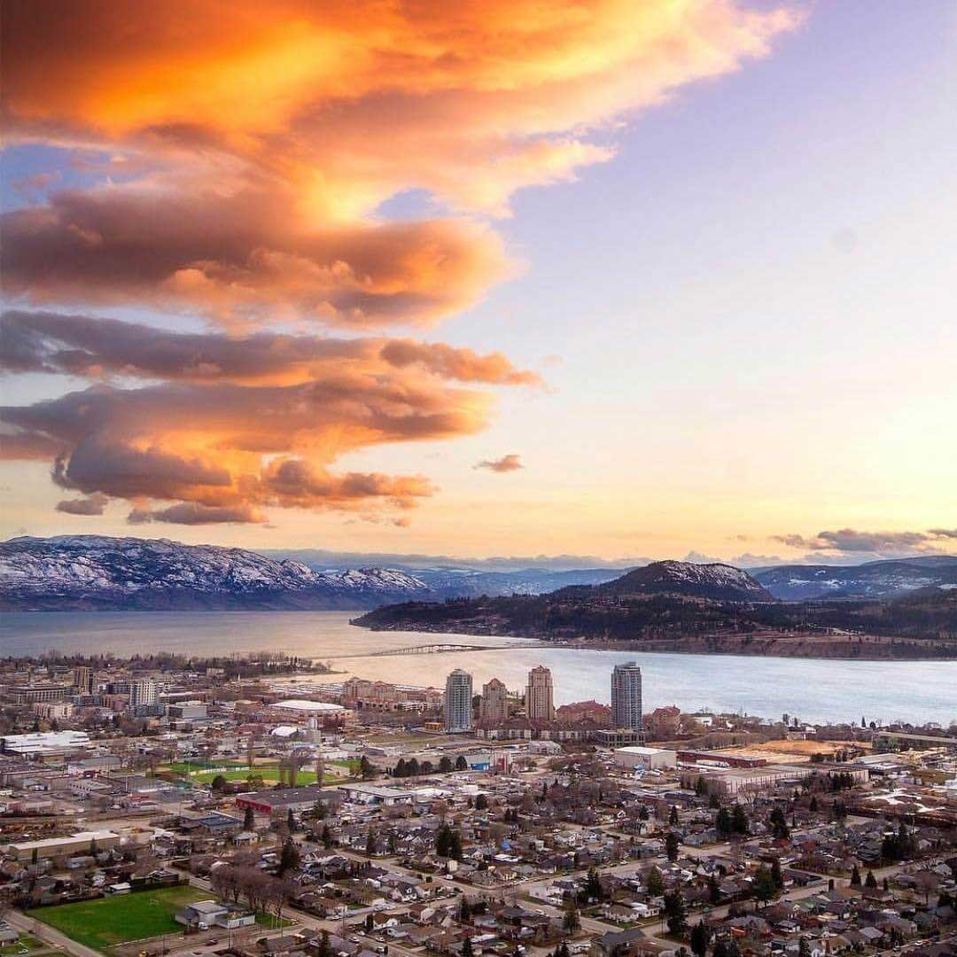 Okanagan sunsets are hard to beat. Photo by the very talented @sndon #ubco #kelowna